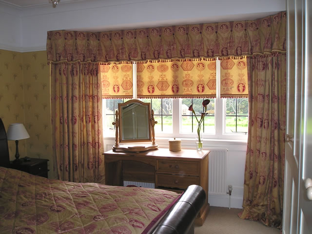 Traditional bedroom curtains and blinds
